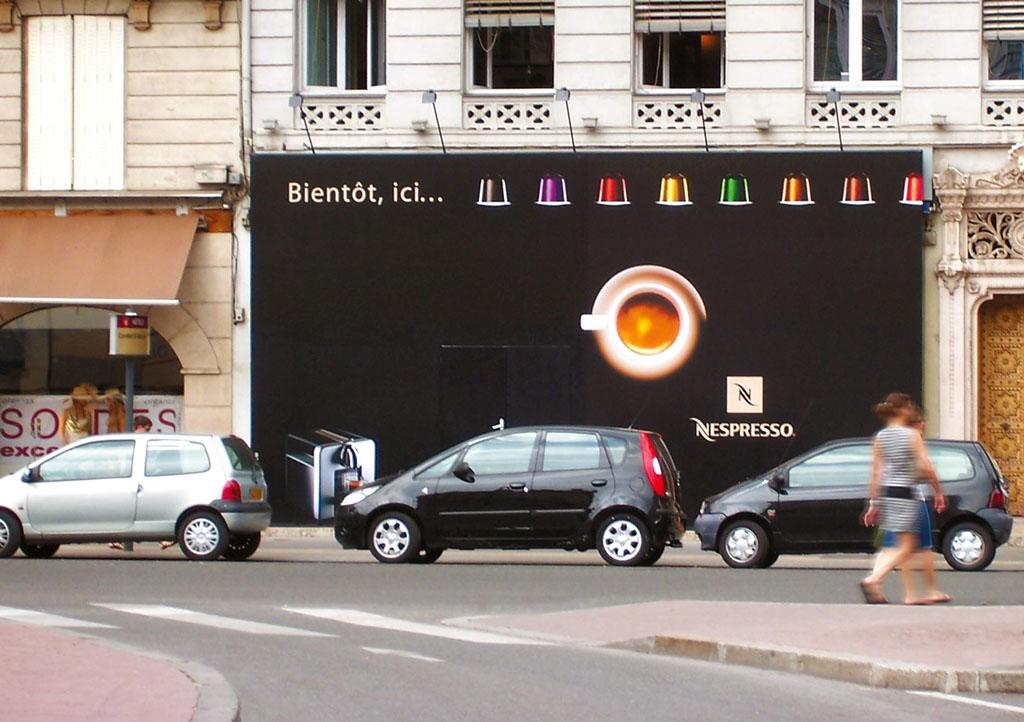 Nespresso, Marseille, Nantes, Lyon : palissade chantier, extérieur ...